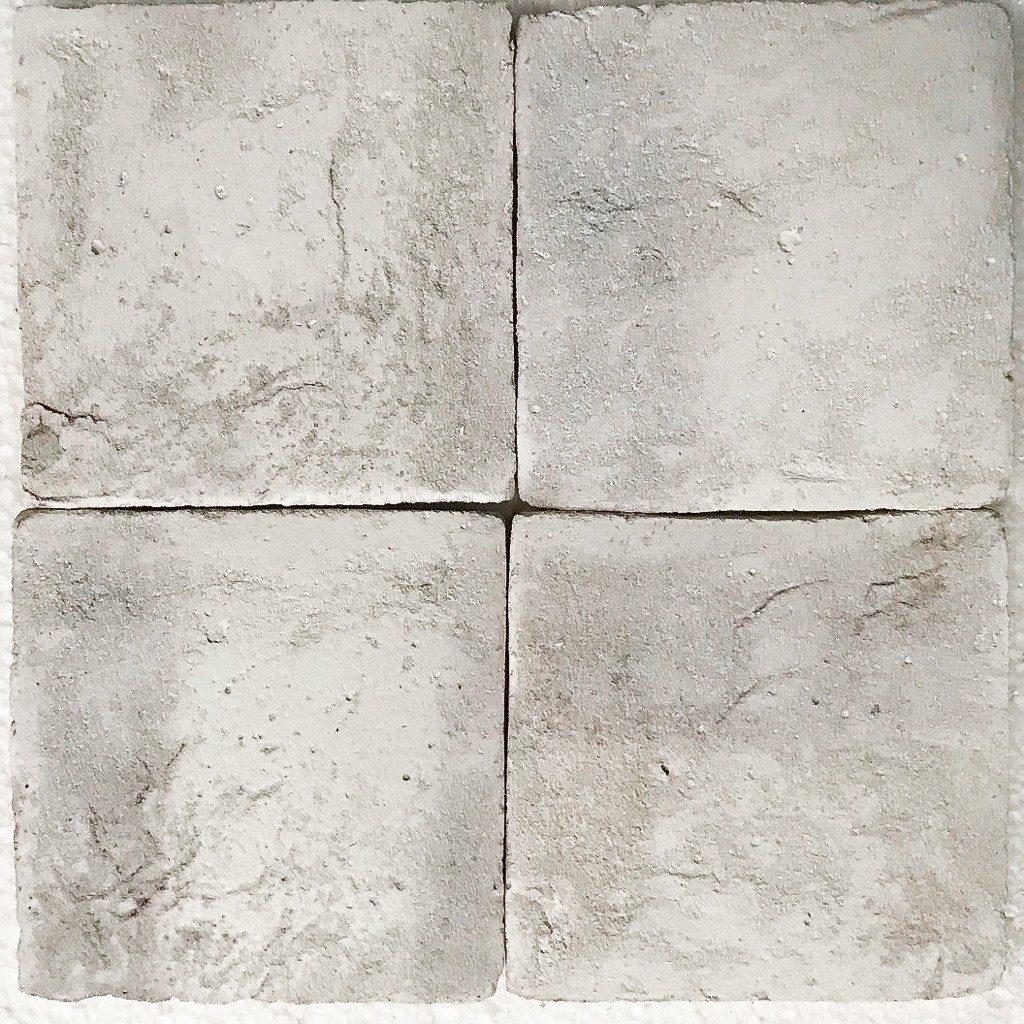pure white 047