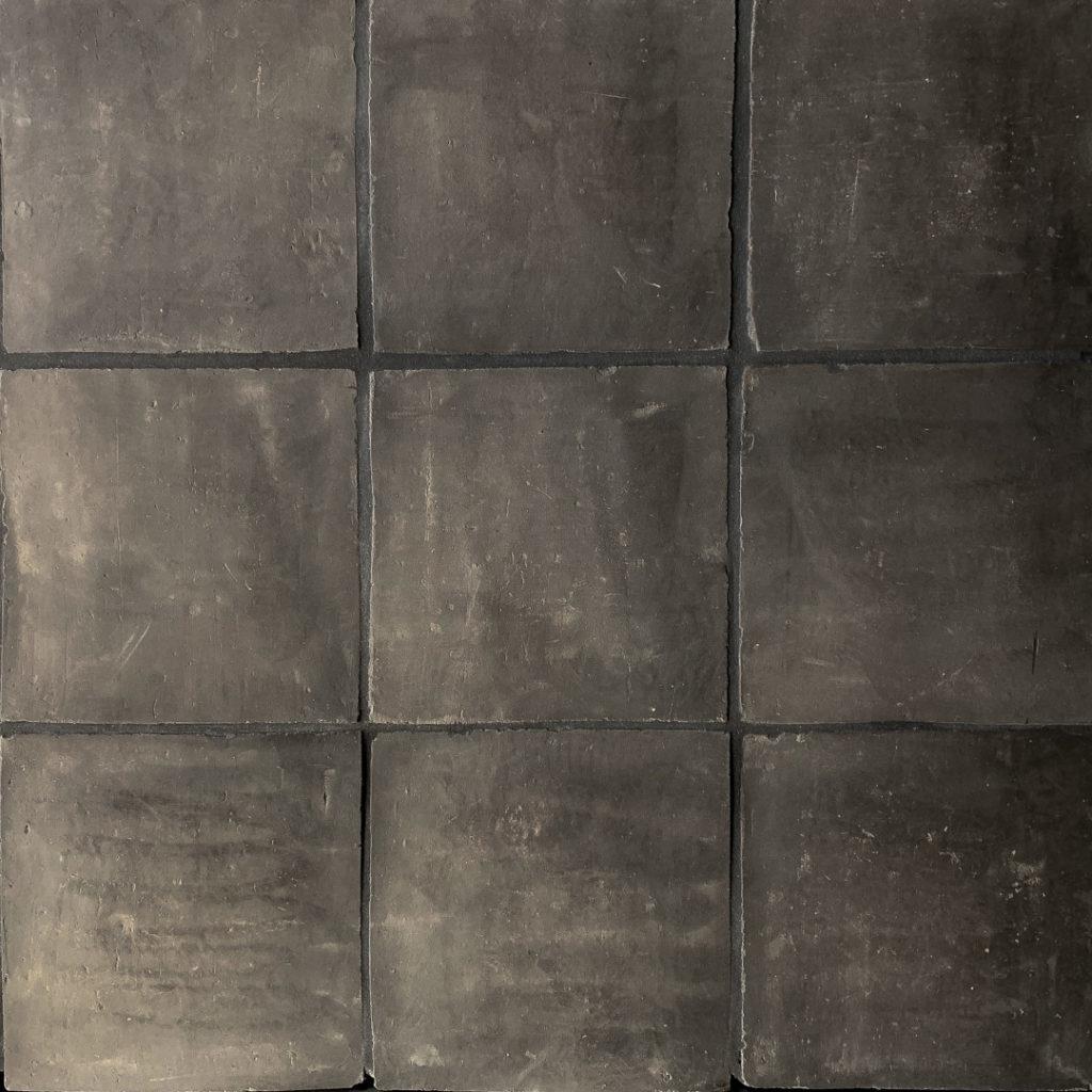 svart lera 20x20