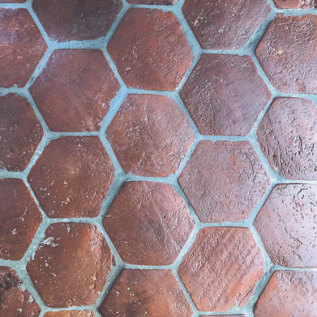Reclaimed Hexagon Classic Red