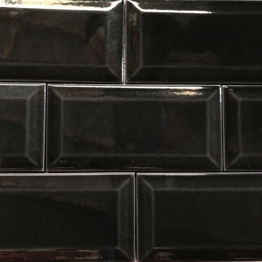 metro black craquele